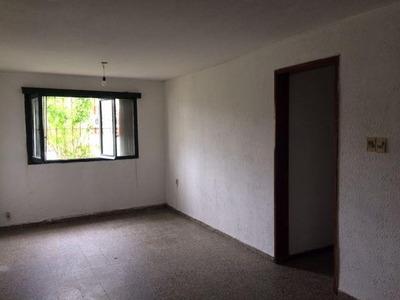 Apartamento En Edificio Planta Baja