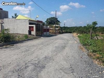 Lisbeth Inmobiliaria Vende Solar 180 Mts. En Villa Mella