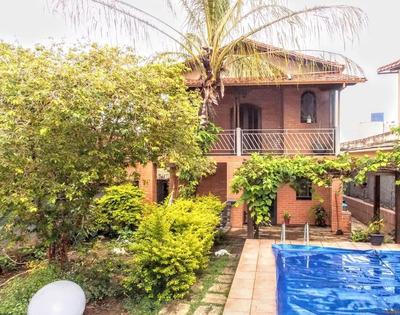 Casa 04 Quartos, 01 Vaga, Piscina Bairro Sagrada Familia - Pr2717