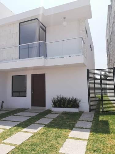 Casa Nueva En Venta En Villas El Roble Querétaro, Corregidora, Amplio Jardín