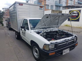 Toyota Hilux 4x2 De Furgon