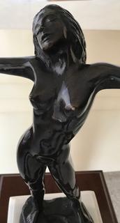 Escultura De Gabriel Ponzanelli Mujer Desnuda, Con Pedestal.