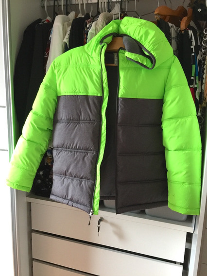 Jaqueta Inverno Com Capuz Usada - Importada - Linda