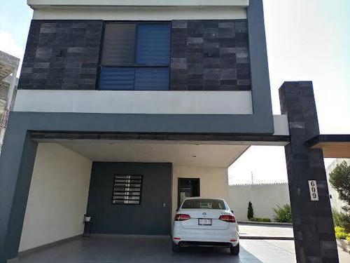 Imagen 1 de 6 de 415770 Casa En Venta En Col. Espacio Cumbres En Monterrey