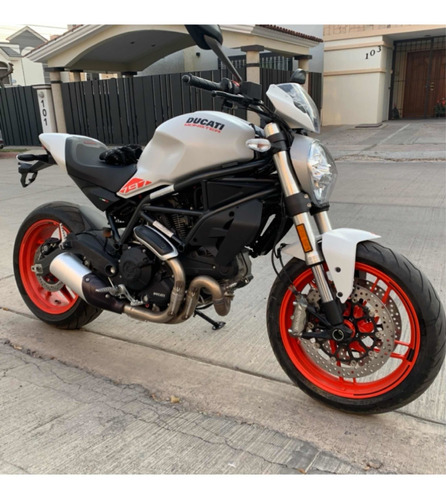 Imagen 1 de 8 de Ducati Monster