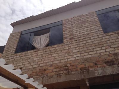 Casa De Dos Plantas A Una Cuadra Del Grifo De Las Torrecitas