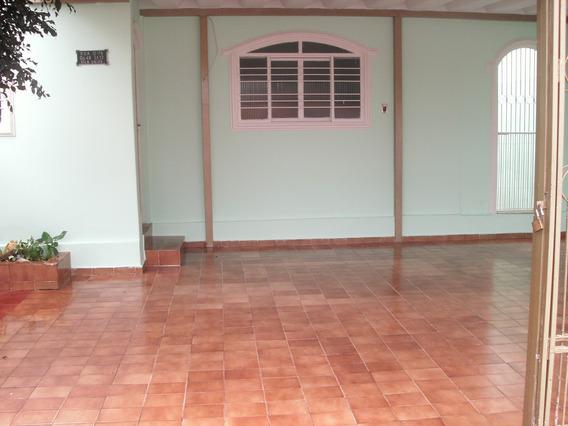 Casa 4/4, 1 Suite, Cozinha Ampla, Laje, Otima Para Sobrado
