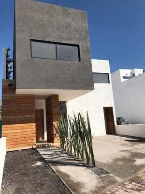 Casa En Venta En La Condesa Juriquilla