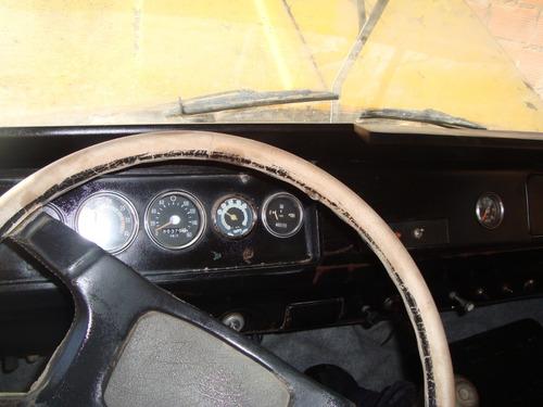 Camion  Dodge  600 Volcador