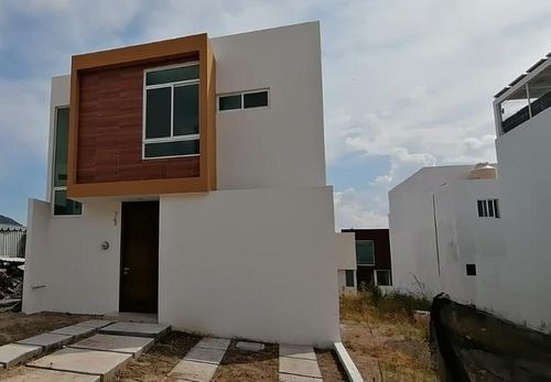 Casa En Venta En Senderos De Monte Verde