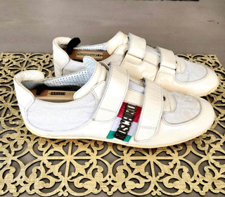 Tenis Moschino Italy Sneakers Talla 7 Mex Únicos (n Gucci)