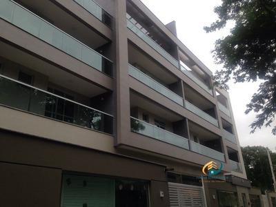 Apartamento A Venda No Bairro Braunes Em Nova Friburgo - Rj. - Av-108-1