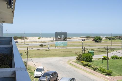 Imagen 1 de 12 de Frente Al Mar, En Venta Y Alquiler - Punta Del Este Brava-ref:449
