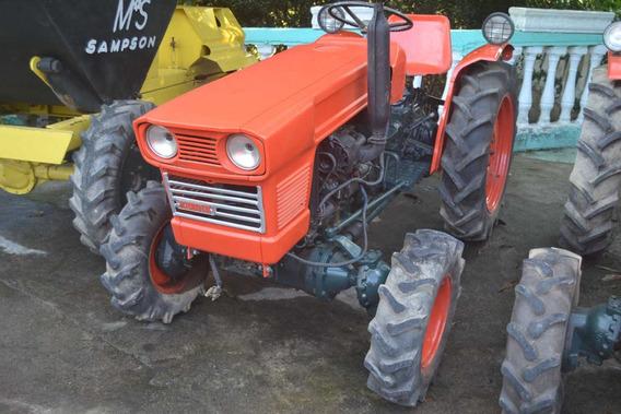 Trator 4x4 Kubota