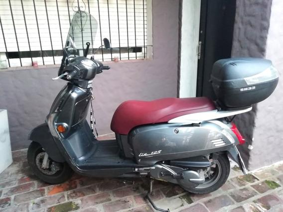 Moto Scooter Kymco Like 125. Modelo 2016