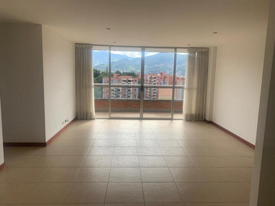 Apartamento En Arriendo Benedictinos 622-11728
