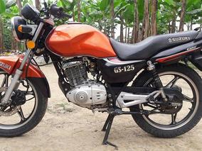 Moto Suzuki En Venta En Excelente Estado Muy Hermosa.