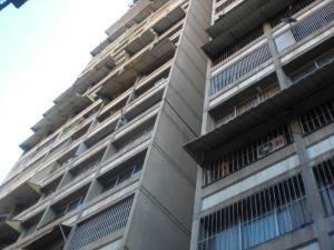 19-19743 Bello Y Acogedor Apartamento En Bello Monte