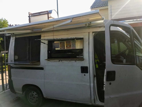 Imagen 1 de 7 de Camioneta Food Truck Completamente Equipada