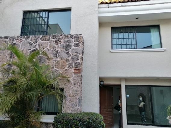 Casa En Renta En Villa Perlas, Col. Residencial Victoria. Gdl En Calle Perla