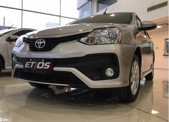 Toyota Etios // 4p 2020 Xls At