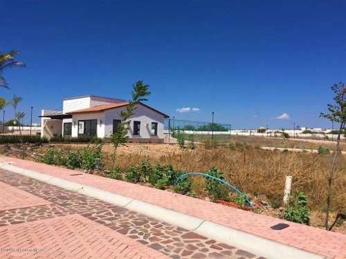 Terreno En Venta En El Mirador, Queretaro, Rah-mx-20-1095
