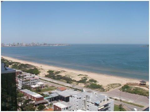 Venta De Apartamento, 2 Dormitorios. Playa Mansa