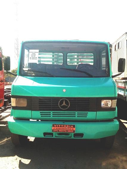 Caminhão Mercedes Benz Mb 709-carroceria