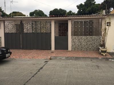 Alquiler Villa En Guayacanes