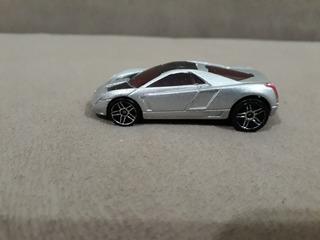 Miniatura Carrinho Hot Wheels Gm Cadillac Cien 2002