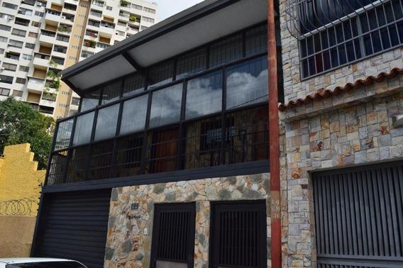 Amplia E Iluminada Casa En Venta Mc #20-9978