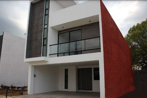 Casa En Venta En Fraccionamiento Lucendi