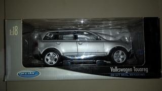 Miniatura Volkswagen Touareg - Welly 1/18