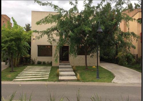 Imagen 1 de 6 de Divina Casa Barrancas De Santa María