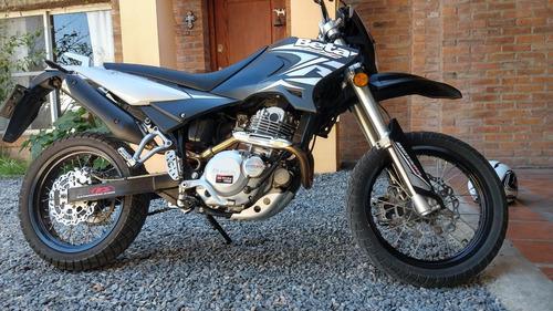 Beta Motard 250 Excelente Moto Y Estado