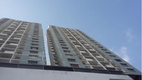 Imagen 1 de 14 de Venta De Apartamento En Plaza Valencia, Vía España 20-2830