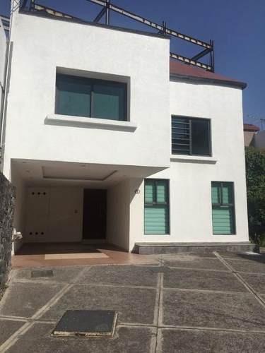 Venta De Hermosa Casa En Condominio En Canal Fuentes Del Pedregal.
