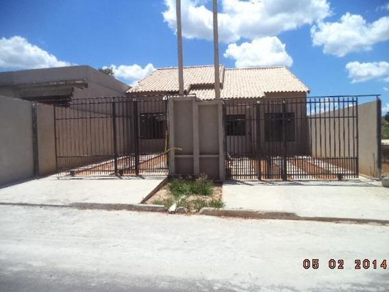 Casa Para Venda Em Volta Redonda, Roma, 2 Dormitórios, 1 Suíte, 2 Banheiros, 2 Vagas - C133