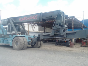 Containera Reach Stackers