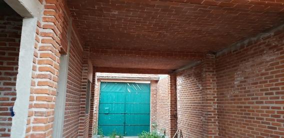 Terreno Con Proyecto De Casa 3 Niveles Acabados Rústicos.