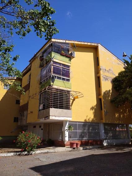 Se Vende Apartoquinta En Ciudad Alianza Guacara