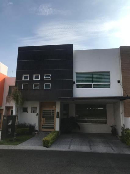 Casa En Venta Claustros Del Sur Queretaro Rcv200425-tk