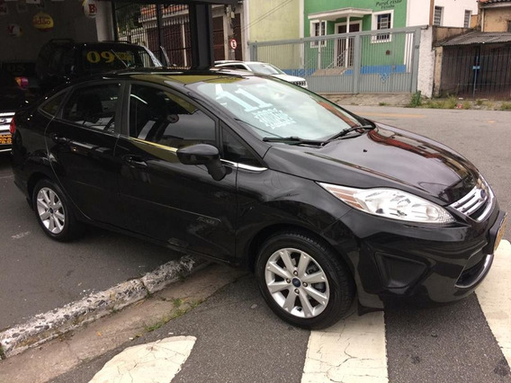 Ford New Fiesta Sedan 1.6 Se 2011