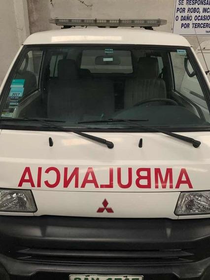Mitsubishi L300 Ambulancia