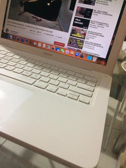 Macbook White A1342