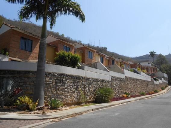 Townhouse En Venta En Lomas Del Este, Valencia Ys 20-11365