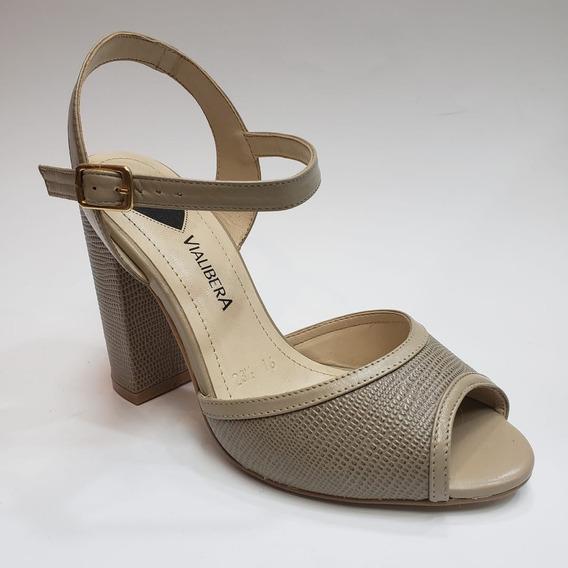 Sandalia Clásica Con Textura Tacón Ancho