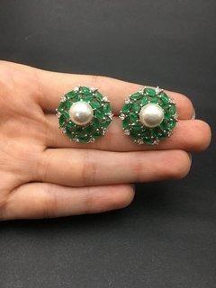 Brinco Com Pérola E Zircônia Verde Esmeralda - Semijoia