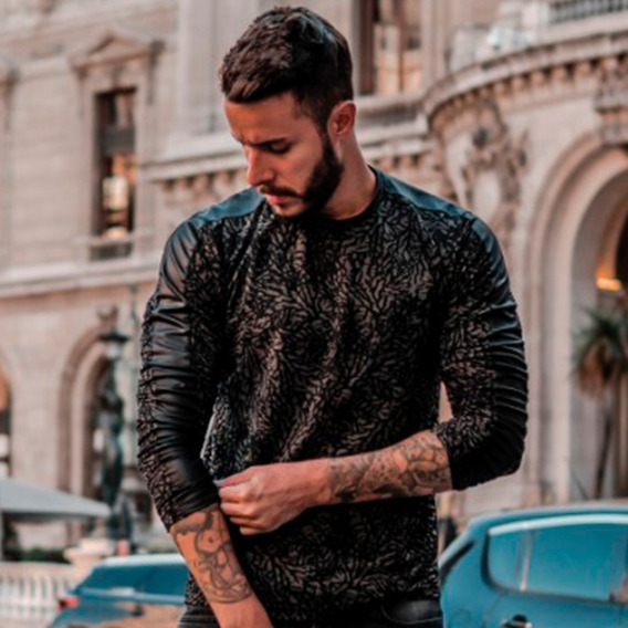 T-shirt Masculina Tule Preta Com Mangas Longas