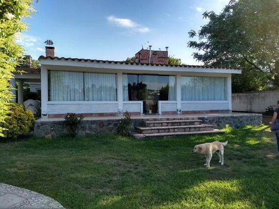 Se Vende Casa En Barrio Los Manantiales